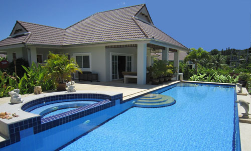 Villa Lotus swimming pool